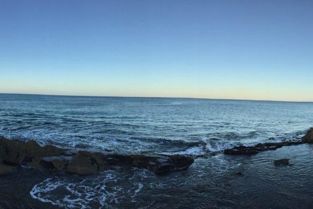 コオリナリゾ−トの先の手付かずの海