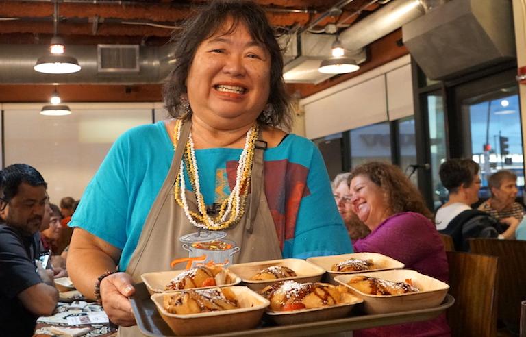 火・木曜限定のハイウェイ・インのハワイアン家庭料理に癒される