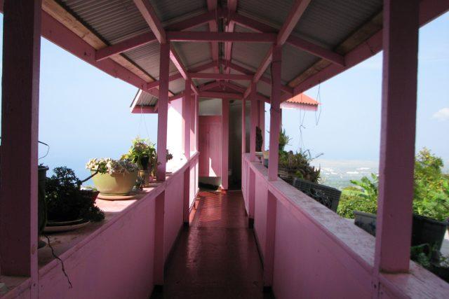 ピンクピンクピンクなホテルの絶景トイレ