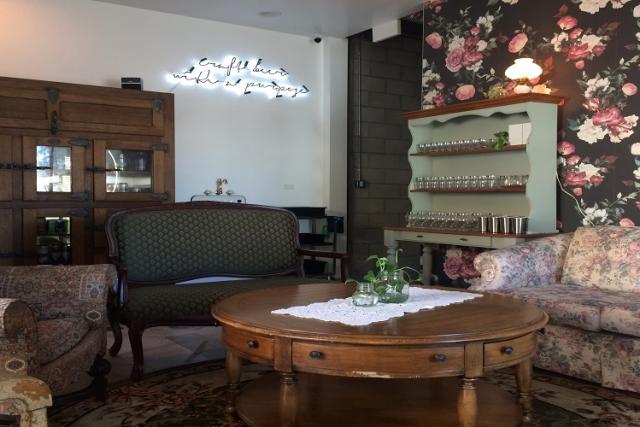 「グレース・イン・グロウラーズ」がホームレス支援の家を購入するため店を拡張