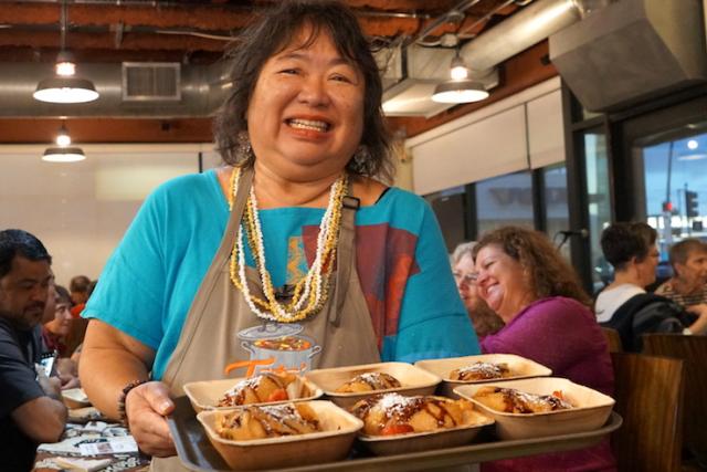 火・木曜限定「ハイウェイ・イン」のハワイアン家庭料理に癒される